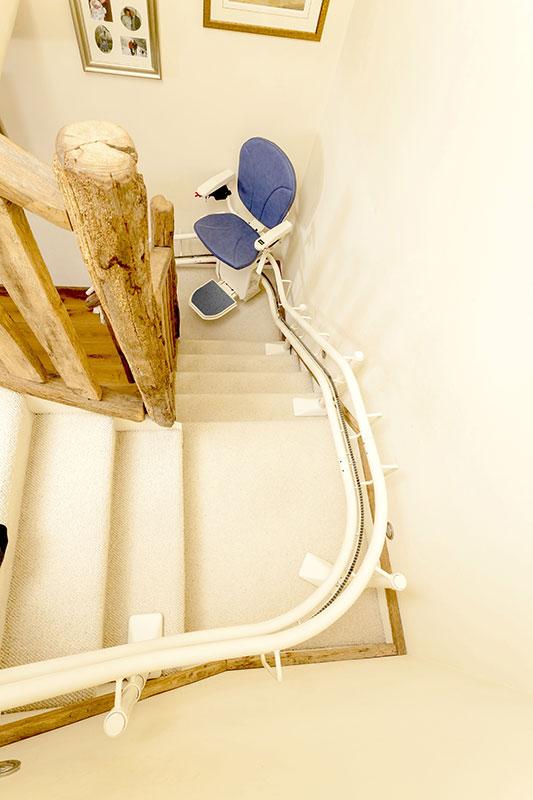 használt lépcsőlift, másnéven széklift, Angliából garanciával