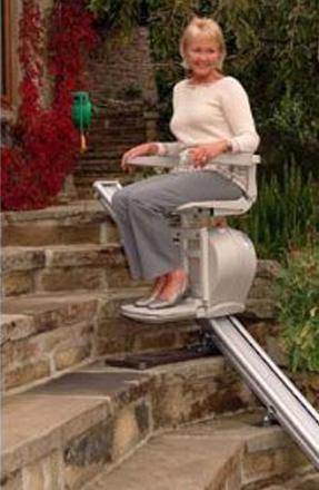 Kültéri lépcsőlift telepítés, használt széklift beépítés